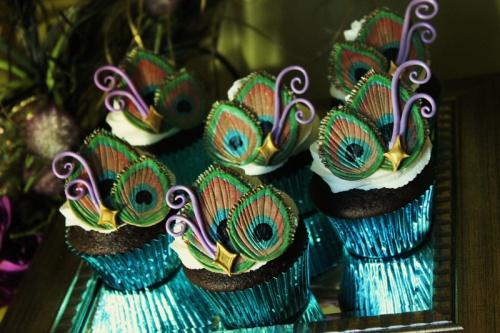Peacock-Cupcake-2