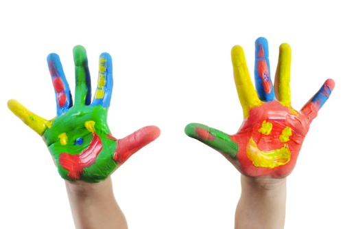 kids-paint-hands-art
